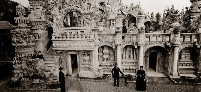pebble palace made by Ferdinand Cheval