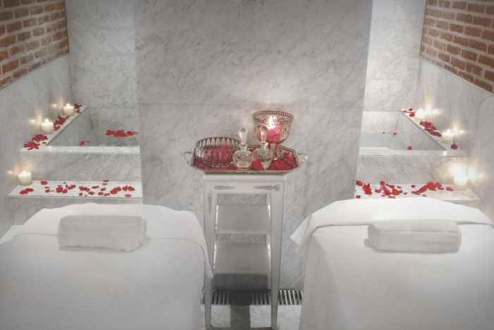 spa massage tables with candles