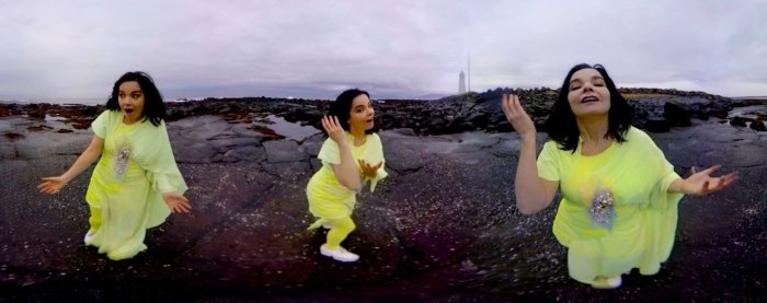 BJÖRK on rocks