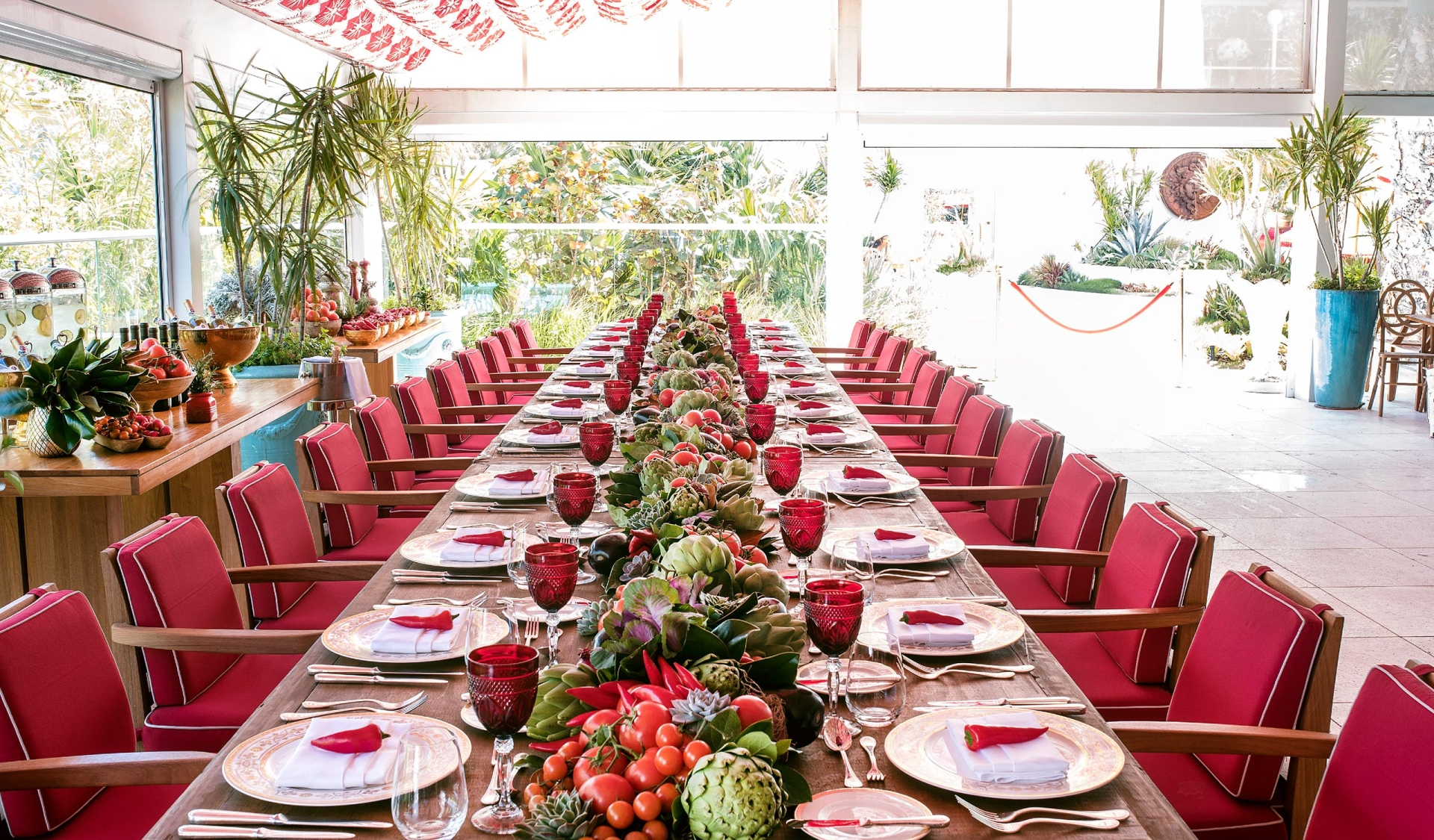 Outdoor dinner event tablescape